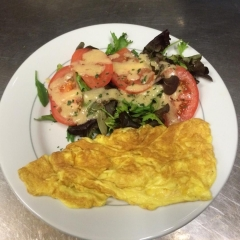 Omelette fromage, oeufs bio  12,50 € - Au Babylone